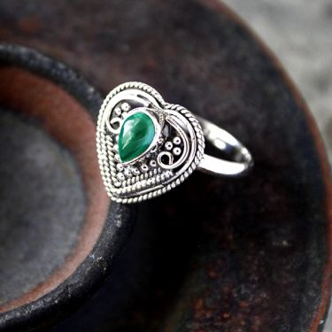 Indian silver and malachite stone ring - size choice