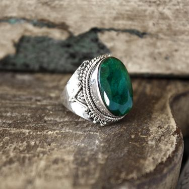 Indian silver and green corundum stone ring S7