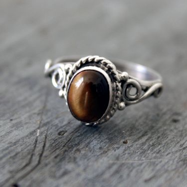 Indian silver ring with 2 tiger stones S6.5