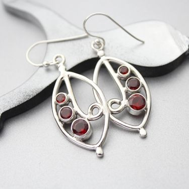 Indian Silver And Garnet Gemstones Earrings