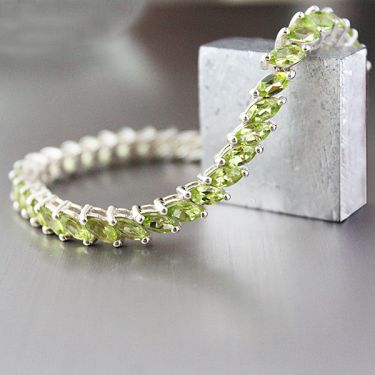 Indian silver and peridot stones bracelet