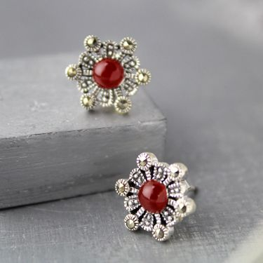 Indian silver and carnelian stones studs