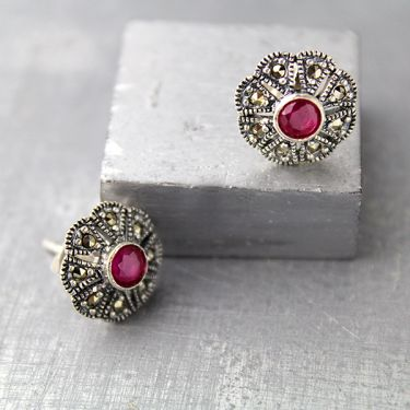 Indian silver and red corundum stones studs