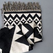 Tibetan woolen scarf black and white
