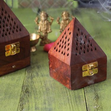Incense box for Agarbatti Pyramid small