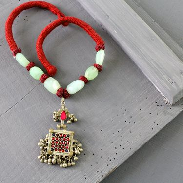 Indian metal and coton antique necklace green and red