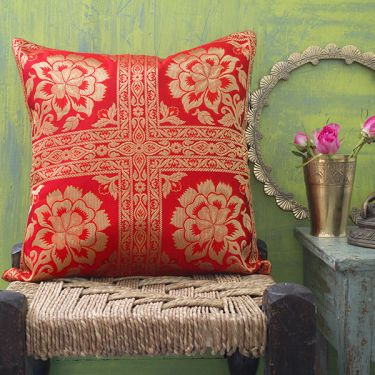 Indian cushion cover Benarasi red L40
