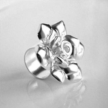 Indian silver ring Rose T57