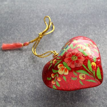 Indian heart pink pendant paper mache