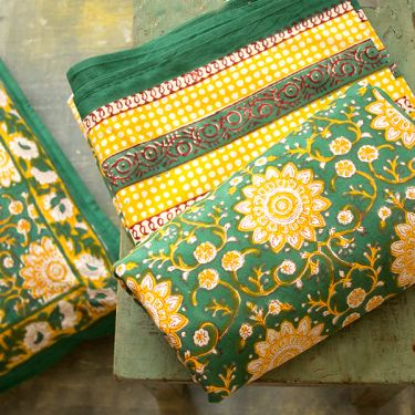 Indian printed bedsheet + pillow Green and yellow
