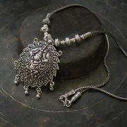 Collier indien traditionnel Vishnou