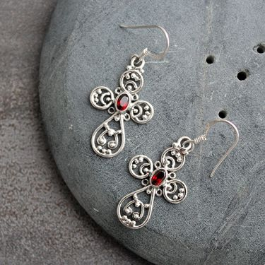 Indian silver and garnet cutstones earrings