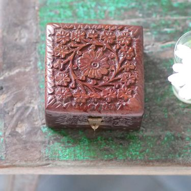 Indian wooden carved jewelry box L10
