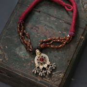 Collier indien antique métal et coton rouge et orange
