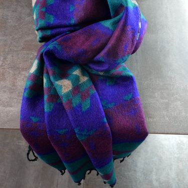 Nepalese woolen shawl traditional purple and green