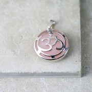 OM pendant with pink quartz and metal