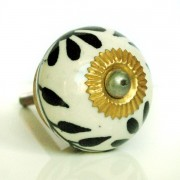 Door or drawer knob black and white