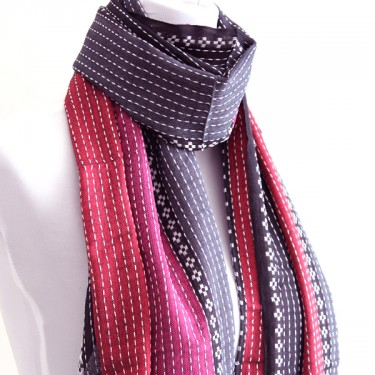 Indian shawl or scarf cotton red and pink