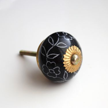Door or drawer Indian knob Flower black