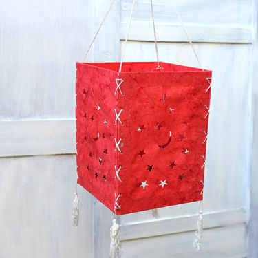 Indian handicraft paper lamp Stars red