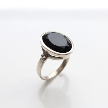 Indian silver and black onyx ring S7