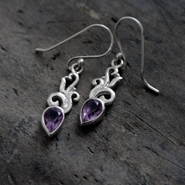 Silver and amethysts Indian earrings