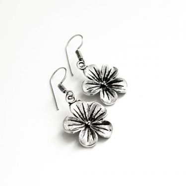 Metal Indian earrings flower