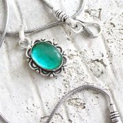 Fancy Indian necklace metal and gren stone