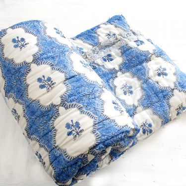 Indian vegetal cotton quilt Rajai blue