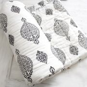 Indian vegetal cotton quilt Rajai black and white
