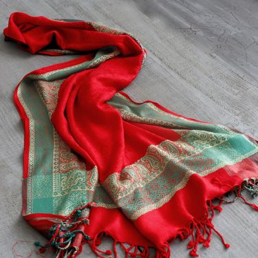 Indian cotton paisley shawl red and green